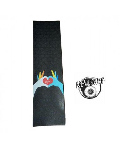Grip autocollant pour skateboard Enjoi Heart, dessin de vierge en couleur sur fond noir, shop New Surf à Dinan, Bretagne